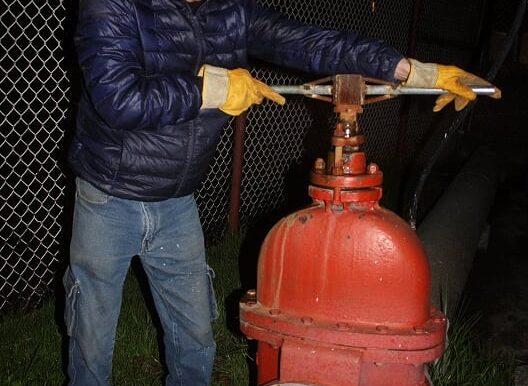OAyST realiza trabajos nocturnos para garantizar el suministro de agua a los toluqueños